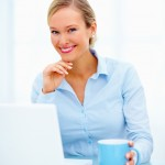 Friendly_Woman_In_Business_Sit_4731317